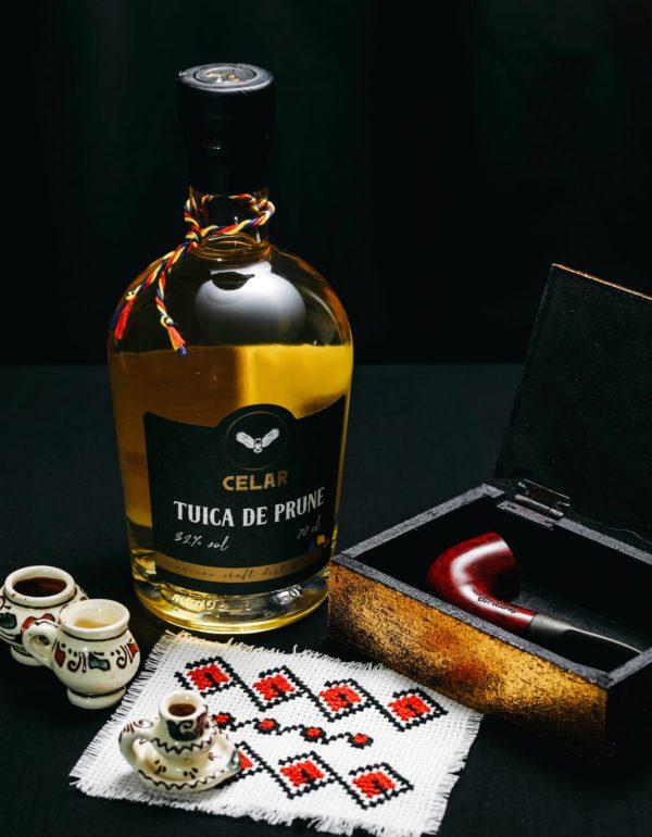 CELAR - Tuica Premium 32% conc.alc. 700ml